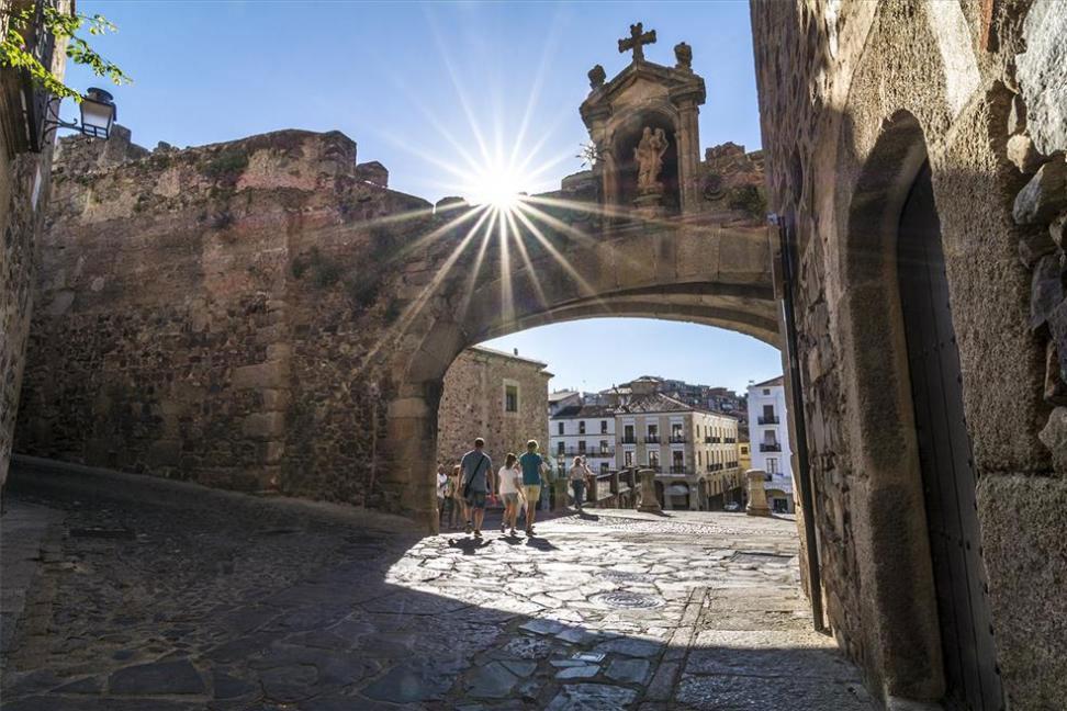Arco Cáceres, Extremadura