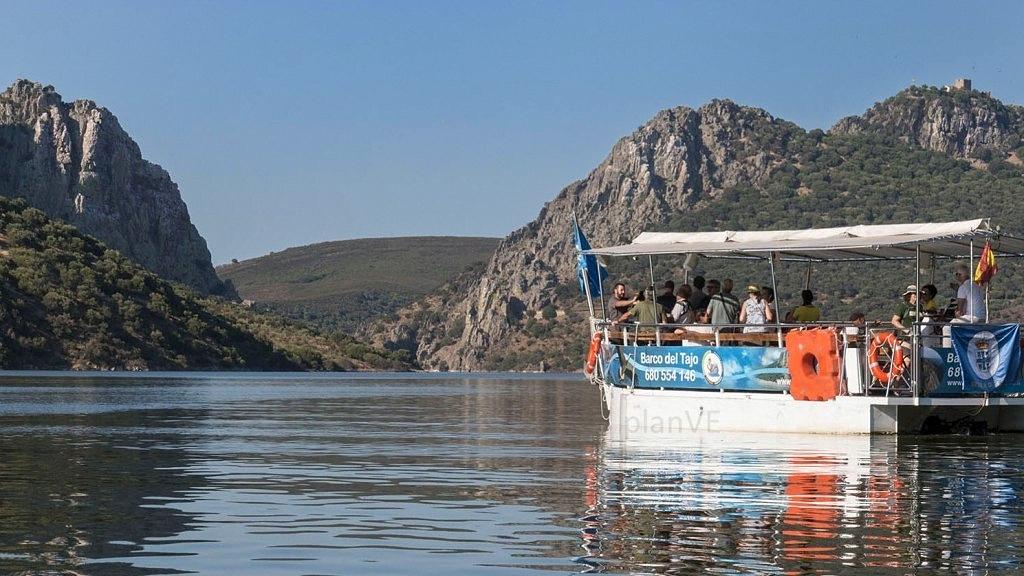Barco en el río Tajo