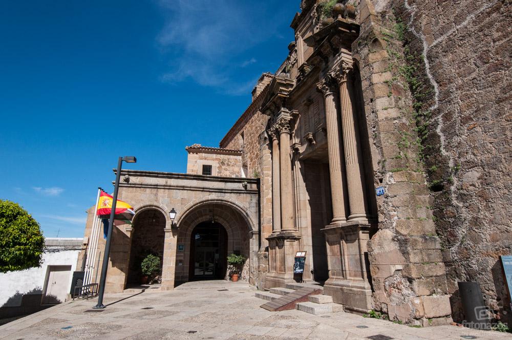 Entrada Parador de Plasencia, Extremadura, España